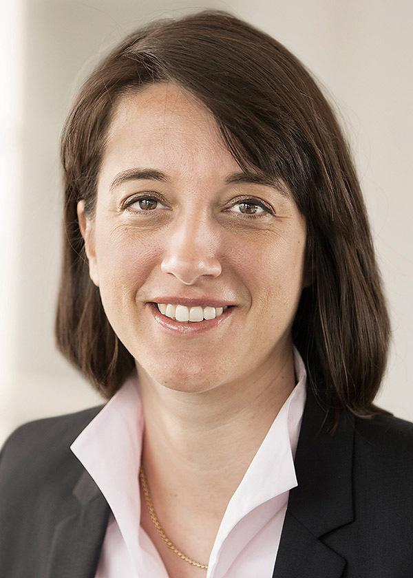 Nicole Hostettler Portrait 1 web